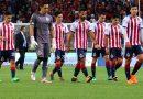 Chivas entrenó con uniforme al revés como protesta
