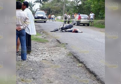 ¡Lo acribillan a tiros! Joven fue asesinado mientras viajaba en su motocicleta
