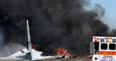 Al Menos Cinco Personas Mueren Estrellarse Avión Militar E.UA.