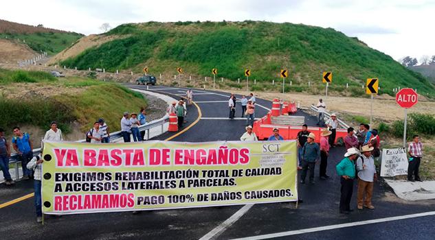 Bloquean Autopista Totomoxtle