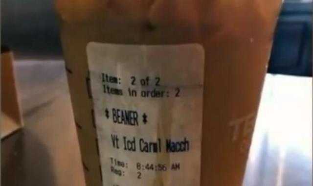 Empleada de Starbucks escribe insulto racista contra inmigrantes