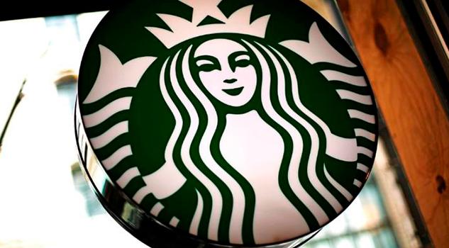 Empleada Starbucks Escribe Frijolero Café Inmigrante