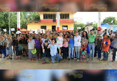"""""""Como diputada federal trabajaré por  el desarrollo de Jalpan""""; Paty Valencia"""