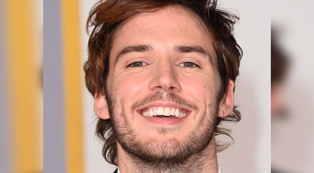 Sam Claflin hizo tu vida más feliz con solo una sonrisa