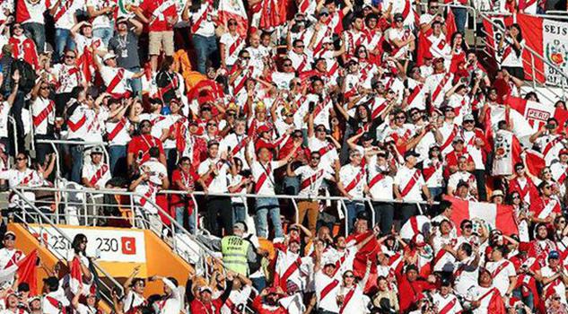 Aficionado Peruano Sube 25 Kilos Para Ver Bicolor Rusia