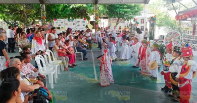 Alumnos Primaria Resaltan Cultura Totonaca