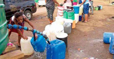 Dan Golpe Escasez Agua