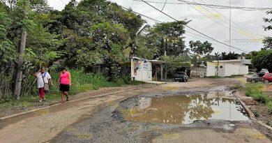 Destrozada Céntrica Calle Frontera
