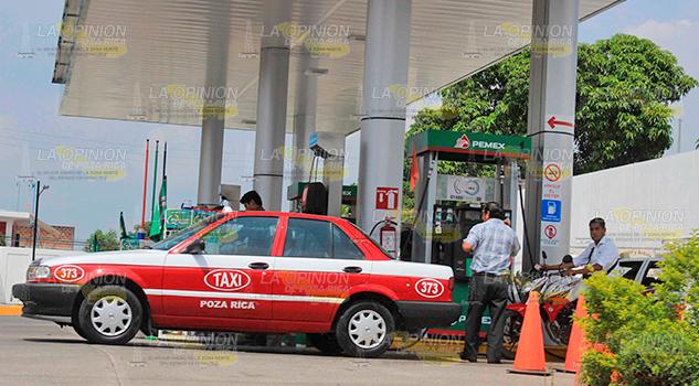Gasolina alcanzará 20 pesos por litro