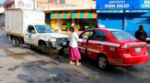 No Hace Alto Choca Contra Taxi