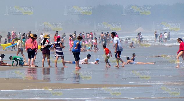 Piden Salvavidas Playa