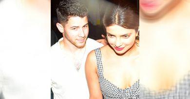 Priyanka Chopra Nick Jonas Muestran Amor Público