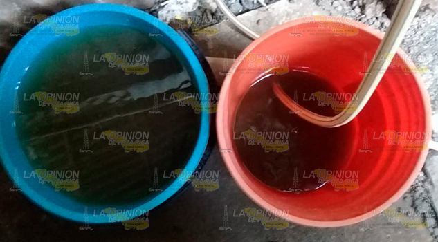 Usuarios Reciben Agua Lodo Hogares