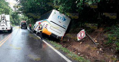 Autobús Sale Camino Venustiano Carranza