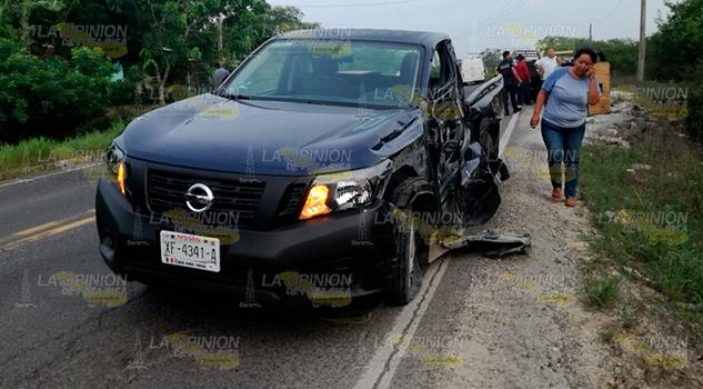 Camioneta Estampa Contra Camión Sobre Tuxpan Tampico