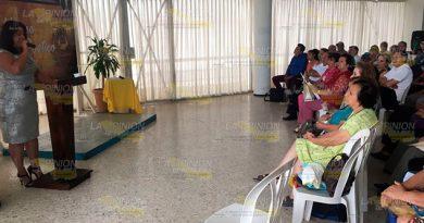 Conforman Comité Municipal Poesía Poza Rica