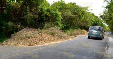 Dejan Montículos Tierra Sobre Carretera Castillo de Teayo Tihuatlán