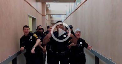 Departamento Policía Acepta Reto Causa Furor Uptown Funk