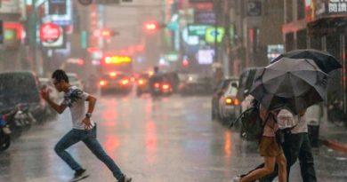 Diez personas muertas y once desaparecidas por tifón en Vietnam