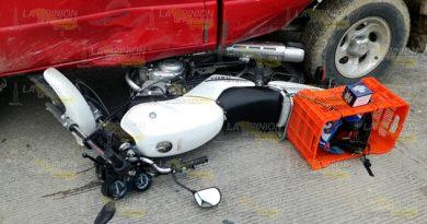 Motociclista Estrella Contra Camioneta Tuxpan