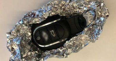 Por Qué Recomiendan Envolver Llaves Auto Papel Aluminio