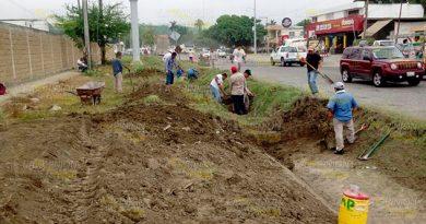 Realizan Desazolve Canales Pluviales Carretera Poza Rica Coatzintla