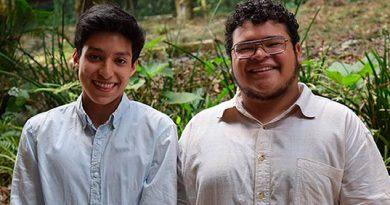 Estudiantes de Música destacan en concurso internacional de guitarra