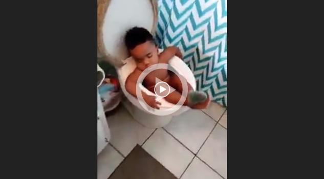 VIDEO: Vas a ver porque tarda tanto en el baño y encuentras esto