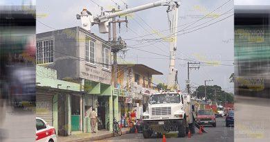 Bajas Voltaje Afecta Locatarios Mercado Hidalgo Álamo
