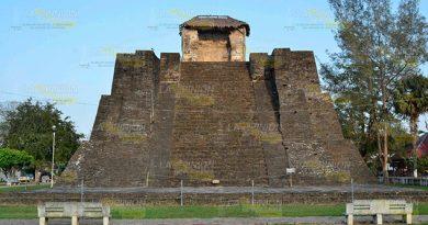 Edificio Prehispánico Sin Apoyo Alcaldesa Castillo de Teayo