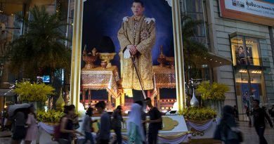 Ejército Monarquía Detienen Transición Democrática Tailandia