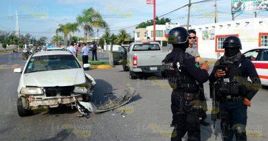 Elemento Marina Provoca Aparatoso Accidente Tuxpan