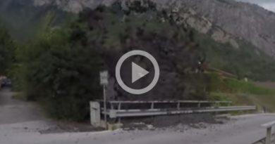 Graban Erupción Barro Rocas Pueblo Suiza