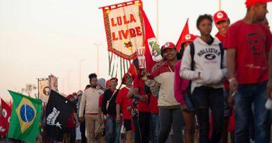 Lula Desafía Jueces Inscribe Como Candidato Presidencia Brasil