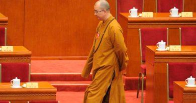 Renuncia Líder Budista Tras Acusaciones Abuso Sexual