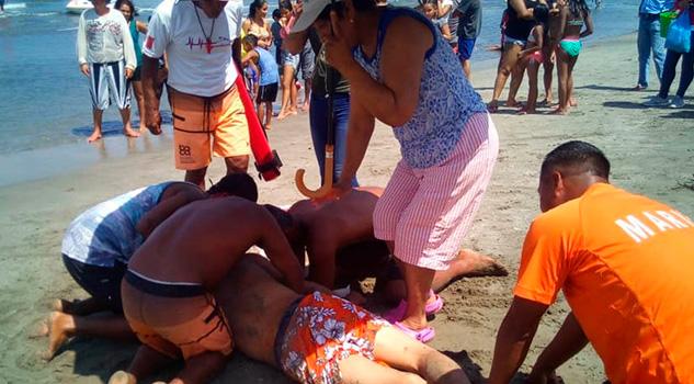 Rescatan Turistas Tlaxcala Playas Boca Río