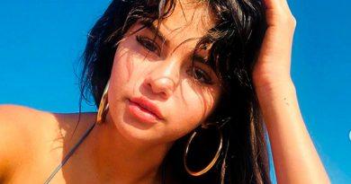 Selena Gomez Muestra Sus Curvas Bikini