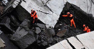 Sigue Búsqueda Cuerpos Escombros Puente Génova