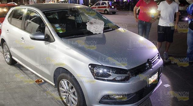 Sujeto Desconocido Daña Automóvil Poza Rica