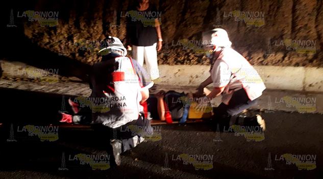 Taxi Impacta Contra Ladera Sobre Tuxpan Tampico 3 Lesionados