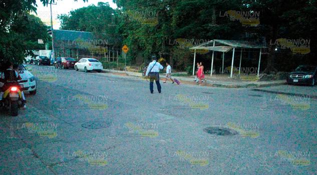 Tránsito Coordina Vialidad Afuera Escuelas Álamo