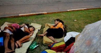 Venezolanos Se Quedan En La Calle