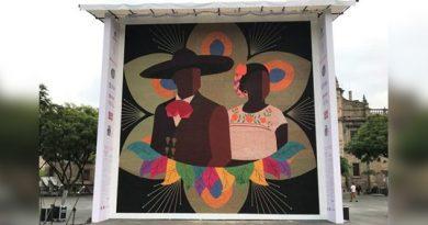Huicholes rompen récord Guinness por el mosaico más grande