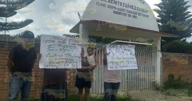 En Tihuatlán dos maestros no dan clases, pero cobran puntualmente