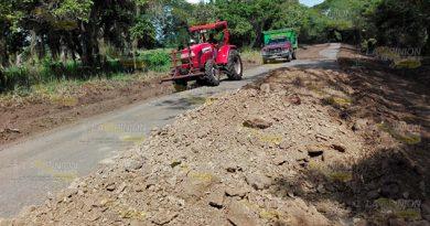 Con Tierra Rehabilitan Camino Amatlán