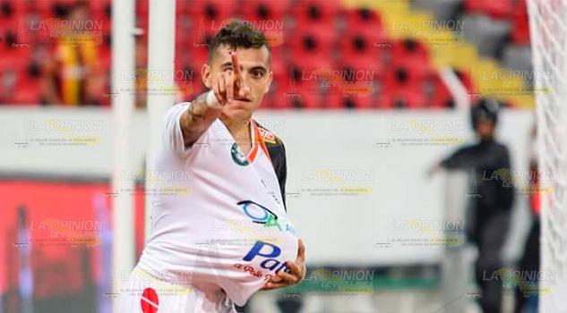 "Edgar ""Tiburon"" Alaffita anota su segundo gol"