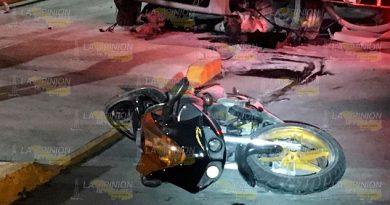 En Choque Camiones Motociclista Muere Aplastado La 27