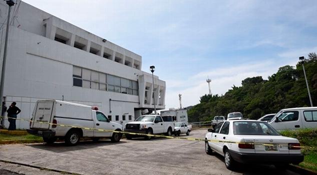 En Fosa Encuentran Credenciales Taxista Desaparecido Veracruz