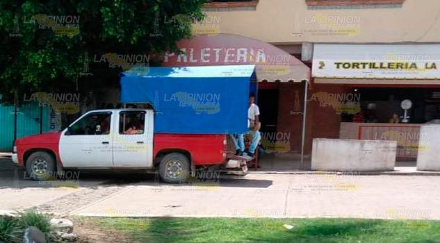 Hostiga Fuerza Civil PR Taxistas Lázaro Cárdenas