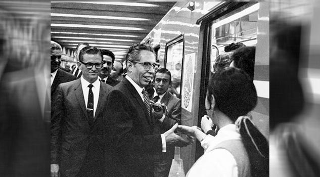 Metro Ciudad México Cumplió 49 Años